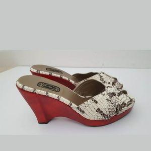 Salpy Sonya snake embossed wedge sandals 9 M Flaw